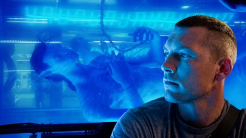 Sam Worthington with his Pandoran alter-ego from Cameron's Avatar.