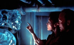"Mary Elizabeth Mastrantonio and Ed Harris in James Cameron's underrated ""The Abyss"" (1989)."