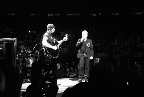 The Edge and Bono perform Lou Reed's